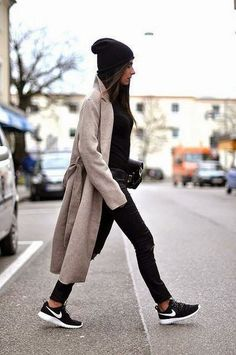 Cute Sporty Outfits Ideas To Try In Winter 05