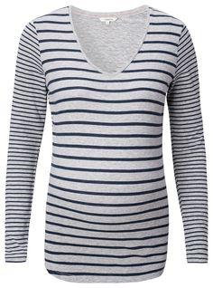 T-shirt Britt    Dieses Longsleeve Britt mit Streifen von Noppies Maternity hat lange Ärmel und einen V-Ausschnitt. Die Vorder- und Rückseite sind mit einem breiten Streifen verziert und die Ärmel mit einem schmalen. In der gesamten Schwangerschaft tragbar.    Department: Women's Maternity  Material: 50% Baumwolle / 45% Polyester / 5% Elasthan...