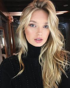 The 74 Hottest Blonde Hair Looks to Copy This Summer Hair Inspo, Hair Inspiration, Blonde Hair Looks, Thin Blonde Hair, Corte Y Color, Hot Hair Styles, Hot Blondes, Hair Goals, New Hair