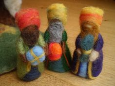 SALE Nativity three kings wise men by magicalforestcraft Christmas Nativity Scene, Felt Christmas Ornaments, Handmade Christmas, Christmas Crafts, Wet Felting Projects, Nativity Crafts, Clothespin Dolls, Waldorf Dolls, Felt Art