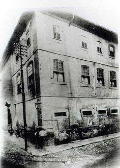 Fotografia da Cadeia Velha tomada da rua da Assembléia - Augusto Malta, 1919. (Museu da Imagem e do Som)