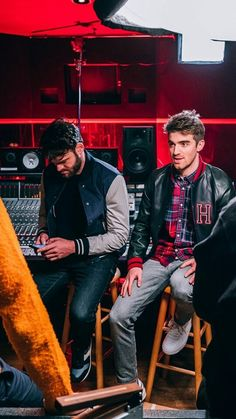 Chainsmokers, Andrew Taggart, 2 Boys, Edm, Hot Guys, Punk, Random Thoughts, Troy, Carrie