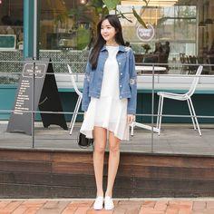 #envylook Floral-Embroidered Button Up Denim Jacket #koreanfashion #koreanstyle #kfashion #kstyle #stylish #fashionista #fashioninspo #fashioninspiration #inspirations #ootd #streetfashion #streetstyle #fashion #trend #style