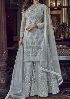 Pakistani Wedding Outfits, Pakistani Wedding Dresses, Pakistani Dress Design, Bridal Outfits, Nikkah Dress, Shadi Dresses, Indian Dresses, Indian Outfits, Pakistani Bridal Couture