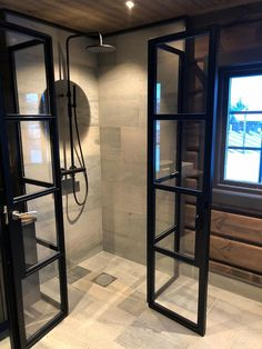 New in our showroom Dortmund. Tile in concrete look by Ariostea S & Mountain Decor, Cabin Interiors, Rustic Bathrooms, Wooden House, Shoe Box, Interior Inspiration, Modern Farmhouse, The Doors, Bathtub