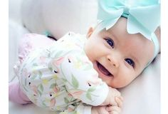 isn't so cute baby ? share with your friends xoxo The Babys, Little Babies, Cute Babies, Little Girls, Cute Baby Smile, Babies Pics, Cute Little Baby Girl, Cutest Babies Ever, Babies Clothes