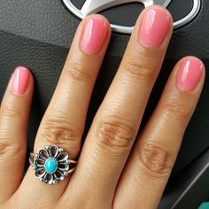 Shiny pink and turquoise! Great combo @ismellgoodxd. Share your mani and James Avery ring by tagging #myjamesavery. #Regram #manimonday Shop the De Flores Ring by clicking the link in our profile!