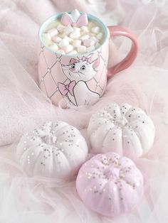 Girly Essentials For An Enchanting & Cosy Autumn - Love Catherine Bags Online Shopping, Shopping Hacks, Princess Aesthetic, Pink Aesthetic, Pink Halloween, Accessoires Iphone, Pink Princess, Princess Face, Princess Crowns