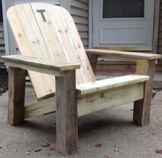 Reclaimed lumber Adirondack chair – Do It Yourself Home Projects from Ana White- Outside Furniture, Lawn Furniture, Woodworking Furniture, Pallet Furniture, Furniture Projects, Furniture Plans, Rustic Furniture, Woodworking Plans, Modern Furniture