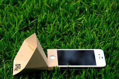 The Eco-Amp is a Low-Cost iPhone Speaker Made from Recycled Materials