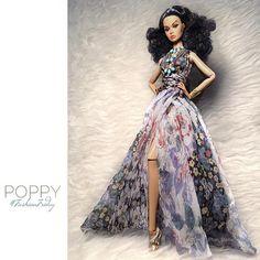 poppyparker for #FashionFriday wearing #ELIDA | by Elian Stellar
