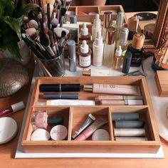 Gorgeous Makeup, Pretty Makeup, Makeup Storage, Makeup Organization, Skin Makeup, Beauty Makeup, Makeup Stuff, Make Up Organiser, Minimal Makeup