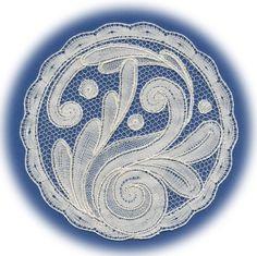 Withof bobbin lace by Ingrid Bormuth Lace Art, Bobbin Lace Patterns, Lace Jewelry, Jacobean, Lace Detail, Needlework, Hobbies, Cross Stitch, Crafting