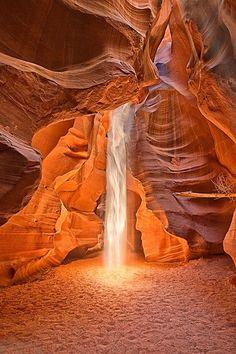 Antelope Slot Canyon, Arizona, USA  // Beautiful PicturZ : http://beautiful-picturz.tumblr.com/
