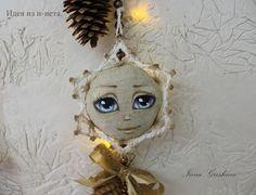 """Моя новогодняя гирлянда со """"снежинками"""" (идея с интернета). Роспись маслом по льну. https://www.youtube.com/watch?v=T7I2dwbKCKE"""
