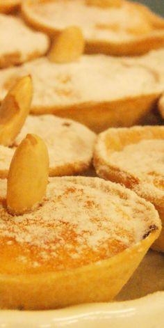 Queijadas de Amendoa | Traditional Flavours #Portugal #Portoholidays