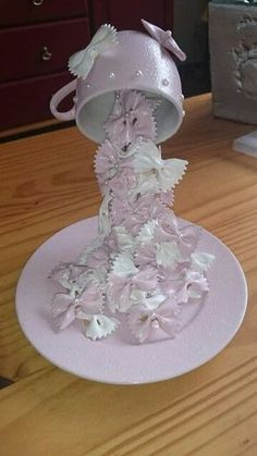 Items similar to Floating Tea Cup Jewelry Arrangement - Perfect Vintage Centerpiece on Etsy Cup And Saucer Crafts, Floating Tea Cup, Tea Cup Art, Decoration Shabby, Teacup Crafts, Antique Tea Cups, Painted Cups, Tea Cup Saucer, Bottle Crafts