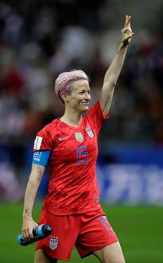 Girl Playing Soccer, Play Soccer, Female Soccer Players, Football Players, The Sporting Life, Megan Rapinoe, Professional Soccer, Only Play, Wolves