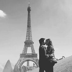 by @suzy_hyuna_luv #EiffelTower #France  #에펠탑 #셀프스냅 #정작가님 #프랑스 #파리여행 #파리여행중 #부부 #부부스타그램 #결혼2년차 #유럽여행 #paris #parisienne #파리지앵 #럽스타그램 #파리 #샤모니 #리옹 #chamonix #lyon #프랑스강혜 #2016france #france