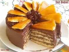 Cotlete de porc in sos aromat cu rozmarinCulorile din Farfurie Sweets Recipes, No Bake Desserts, Delicious Desserts, Cake Recipes, Yummy Food, Romania Food, Romanian Desserts, Home Food, Yummy Cakes