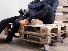 Tutoriel DIY: Upcycling : faire un canapé avec des palettes via DaWanda.com