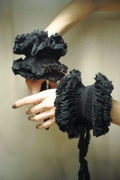 Ruffled detail Cuffs/ Detachable cuffs/ Black by marinaasta