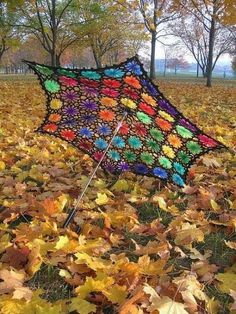Crocheted umbrella ♥ I need one for the burns :)