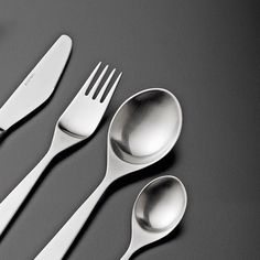 339 отметок «Нравится», 4 комментариев — Stelton (@steltondesign) в Instagram: «Our Maya cutlery designed by Tias Eckhoff is nominated for the Readers Choice Award at the Design…»