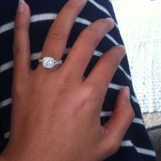OMG I LOVE IT.... what i would love my ring to look like... its perfect