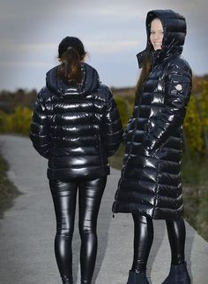 Photos for Steve Down - Leder - Wintermode Leather Leggings Outfit, Shiny Leggings, Leather Pants, Women's Puffer Coats, Down Winter Coats, Winter Mode, Puffy Jacket, Rain Wear, Jacket Style