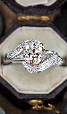 True Vintage Beautyn.nSku AE60384 European Cut Diamonds, Vintage Beauty, Vintage Engagement Rings, Multimedia, Timeless Fashion, Glitters, Antique Jewelry, Diamond Cuts, Finger