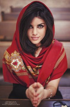 Nairuhi (Nai Rui)- an Armenian model , makeup artist