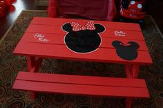 Black & red Minnie Mouse Kids Picnic Table The small Minnie Mouse on the bottom right was paper that was covering our daughter's name that hadn't been announced yet :) Painted Picnic Tables, Kids Picnic Table, Kids Table And Chairs, Kid Table, Minnie Mouse Table, Red Minnie Mouse, Fourth Birthday, Disney Crafts, Decor Crafts