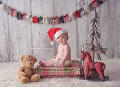 For month old christmas photo Baby Christmas Photos, Xmas Photos, Christmas Portraits, Holiday Pictures, Christmas Minis, Winter Christmas, Family Pictures, Holiday Mini Session, Christmas Mini Sessions
