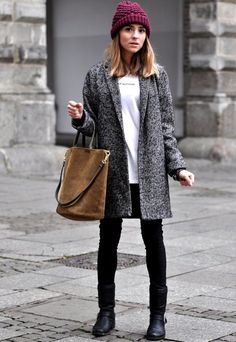 {Grey coat and burgundy beanie. Winter Fashion 2014, Autumn Fashion, Winter Stil, Cold Weather Fashion, Winter Mode, Fall Winter, Look At You, I Love Fashion, Winter Outfits