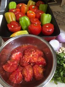 ΜΑΓΕΙΡΙΚΗ ΚΑΙ ΣΥΝΤΑΓΕΣ 2: Γεμιστά από τα ωραιότερα !!! Greek Recipes, Vegan Recipes, Arabic Food, Stuffed Peppers, Chicken, Vegetables, Kitchen Ideas, Cakes, Arabian Food