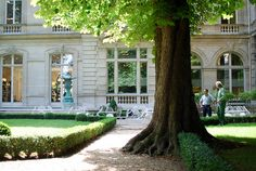 Le Parc Monceau by Bee.girl, via Flickr