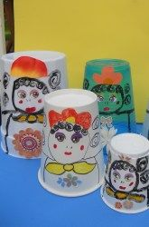 Awesome cross-curric opportunity for Art. Russian Nesting Dolls - out of different sized paper cups