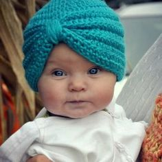 Crochet Baby TurbanThis crochet pattern / tutorial is available for free... Full post:Baby Turban