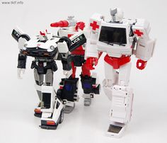 Voodoo Robots Salus (Ratchet) and Animus (Ironhide)-6f057a02gw1eyk21q0ilcj20rk0nmn9i.jpg
