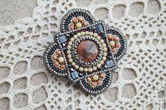 Купить Брошь с яшмой - комбинированный, яшма, бусины, брошь, Украшение ручной работы, украшения из бисера