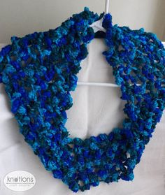 Free knitting pattern: Knitted Knot Cowl by NitaB&NishaN for Knotions Knitting Patterns, Crochet Patterns, Free Knitting, All Craft, Knitting Accessories, Stockinette, Craft Stores, Cowl, Knots