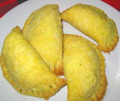 Make and share this Jamaican Beef Patties (Aka Meat Pies or Pasties) recipe from Genius Kitchen. Jamaican Meat Pies, Jamaican Beef Patties, Jamaican Patty, Jamaican Recipes, Meat Recipes, Indian Food Recipes, Appetizer Recipes, Cooking Recipes, Appetizers