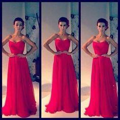Inspiración en vestidos rojos para un look femenino y elegante