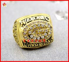 1996 Green Bay Packers Super Bowl XXXI World Championship Ring. They defeated the New England Patriots 35-21.
