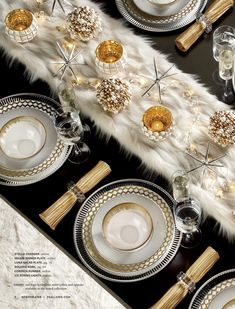 Lets have some fun Table Decorating Class Welcome Home RSVP Today. Christmas Dining Table, Dining Room Table Decor, Christmas Table Settings, Christmas Tablescapes, Farmhouse Christmas Decor, Deco Table, Decoration Table, Noel Christmas, Christmas And New Year