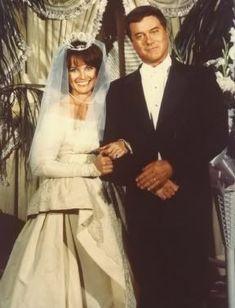 JR & SUe Ellen ewing happy | Sue Ellen & JR Ewing's wedding.