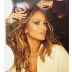 makeup by Maryjane Phillips on Jennifer Lopez - Maquillaje Jennifer Lopez, Jennifer Lopez Makeup, Jlo Makeup, Flawless Makeup, Hair Makeup, Jlo Glow, Braut Make-up, Love Hair, Hollywood Glamour