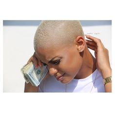 We have a love love relationship with the blonde pixie cut, these 16 styles had us like . Blonde Hair Fade, Blonde Twa, Blonde Hair Black Girls, Blonde Pixie Cuts, Edgy Hair, Bleach Blonde, Platinum Blonde Hair, Short Sassy Hair, Short Hair Cuts