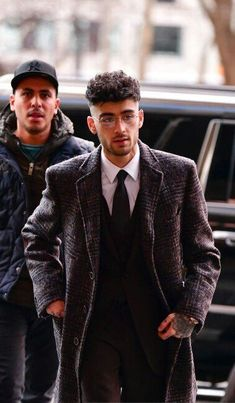 For more follow @sharayupatilssp Zayn Mallik, Zayn Malik Pics, Look At You, How To Look Better, Zayn Malik Style, Malik One Direction, Street Goth, 1d And 5sos, Haircuts For Men